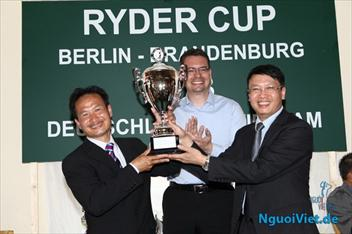 Vietnam won the cup at the Vietnam Friendship Golf - Germany 2013